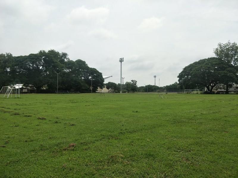 สนามฟุตบอล 2