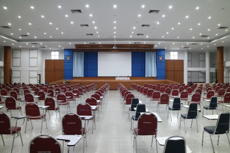 หอประชุม ชั้น 5 อาคารวิทยบริการ